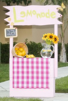 photoprop. lemonade stand.  child photography Copyright Jenni Tellers