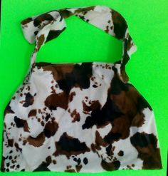 COW PRINT/faux fur/brownsuede/reversible  one of a kind larissamyrie.art washable, strong, upcycled, fun, #fashion #style #art #barbie #shoppingbag #totebag #shoulderbag #slowfashion