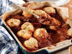 Tomato beef stew with herbed dumplings Tomato Beef Stew, Meat Recipes, Cooking Recipes, Yummy Recipes, South African Recipes, Ethnic Recipes, Good Food, Yummy Food, Fun Food
