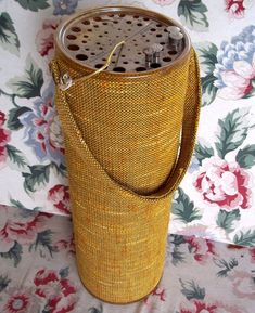 Vintage knitting needle caddy (make one out of a pringles can?)