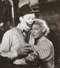 THE GREATEST SHOW ON EARTH (1952) - Betty Hutton & James Strwart