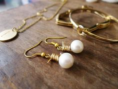 Wire Wrapped Pearls | 19 Insanely Easy DIY Projects That Are Perfect For Beginners