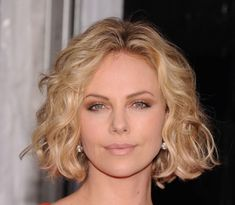 Hottest Short Wavy Hairstyles For Women 2014-2015 | stylein.xyz