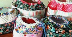 These Pretty Bags are So Easy to Make - Quilting Digest Adult Bibs, Fabric Gift Bags, Work Bags, Quilting, Little Bag, Cute Bags, Knitted Bags, Bag Making, Sewing Projects