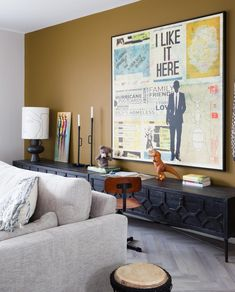 In love with your house again Gold Living Room, Gold Living Room Walls, Wall Decor Living Room, Fancy Houses, Home, Japanese Home Design, Living Room Design Modern, Asian Home Decor, Home Decor
