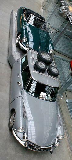 Citroën DS Tissier - En los años 70 Pierre Tissier modificaba autos CITROËN en asombrosos vehículos de servicio. Actualmente el Garage Alemán Meilenwerk posee esta pieza de colección para el transporte de sus clásicos de carrera.