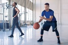 Basketball player Stephen Curry featured in a TV commercial advertising Chase's Quick Pay app.