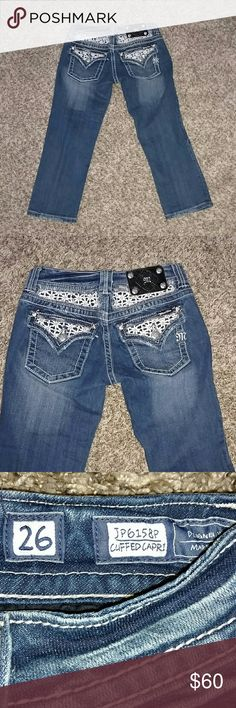 Miss Me Cuffed Capri Denim Jeans Brand new Miss Me Cuffed Capri denim jeans. Flower back pockets. Size 26 Miss Me Jeans Ankle & Cropped