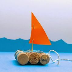 Quick Craft for Kids -- Toy Boats - Inner Child Fun -- wine cork toy boats. Diy Projects For Kids, Diy For Kids, Crafts For Kids, Craft Kids, Diy Outdoor Toys, Water Games For Kids, Quick Crafts, Summer Crafts, Diy Toys