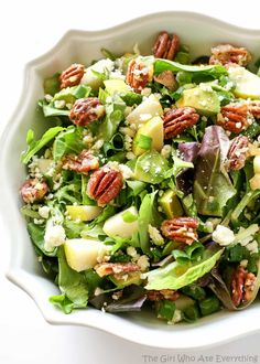 Pear Salad - one of my favorite salads topped with candied pecans!Roquefort Pear Salad - one of my favorite salads topped with candied pecans! Thanksgiving Recipes, Thanksgiving Table, Holiday Recipes, Best Salad Recipes, Healthy Recipes, Pear And Blue Cheese Salad, Pear Salad, Candied Pecans, Sauces