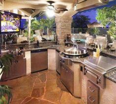 Circular Cooktop in Outdoor Kitchen View luxury real estate listings at www.seattleluxury More The post Circular Cooktop in Outdoor Kitchen View luxury appeared first on aubenkuche.