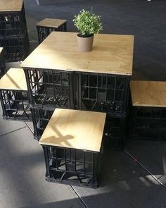 Fun ideas for DIY upcycled milk crate furniture and home decor made from repurposed milk crates. Milk Crate Furniture, Bar Furniture, Pallet Furniture, Milk Crate Chairs, Garden Furniture, Plastic Milk Crates, Plastic Containers, Cardboard Organizer, Outdoor Furniture Plans