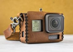 Vintage-inspired hand stitched leather case designed to carry your GoPro® Hero 5. We make all of our products using hand selected premium top grain leather. Fits the new Hero 5 Black. Features: - Hand