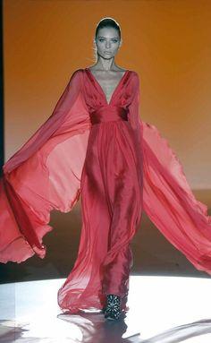 Hannibal Laguna - S/S (Madrid) Beautiful Gowns, Beautiful Outfits, Fashion Week, Fashion Outfits, Gala Dresses, Classy Women, Celebrity Dresses, The Dress, Dream Dress