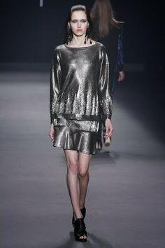 Moda no inverno 2014: tons metálicos com destaque para o prateado.