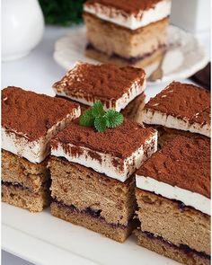 Rafaello na krakersach - I Love Bake Polish Desserts, Polish Recipes, Polish Food, Delicious Cake Recipes, Yummy Cakes, Food Cakes, Coleslaw, Tiramisu, Oreo