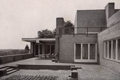 Wolf House in by Ludwig Mies van der Rohe. Ludwig Mies Van Der Rohe, Arch Architecture, Beautiful Architecture, Wolf, Walter Gropius, Amazing Spaces, Bauhaus, Midcentury Modern, House Styles