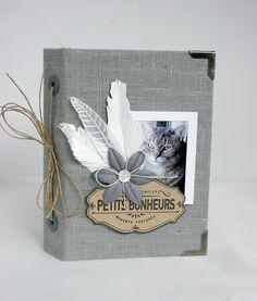 PETITS-BONHEURS-MERY : un joli mini tout en Florilège !! http://blog-florilegesdesign.fr/2013/12/29/mini-album-mini-bonheurs-de-mery/