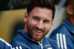 Novo visual de Messi prova como uma barba pode mudar um homem http://angorussia.com/lifestyle/beleza/novo-visual-messi-prova-barba-pode-mudar-um-homem/