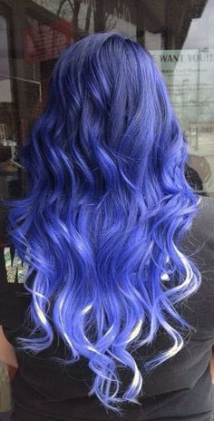 This is not freaking scene hair. Just because it is colored does not mean it is scene hair! Scene hair is choppy and teased. Her hair is just dyed! Cute Hair Colors, Beautiful Hair Color, Hair Dye Colors, Hair Color Blue, Cool Hair Color, Periwinkle Hair, Violet Hair, Eye Color, Coloured Hair
