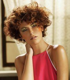 Cortes de pelo rizado corto para mujere: fotos de los peinados