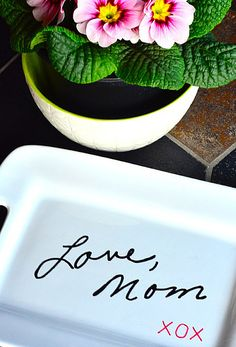 DIY Transfer Handwriting to a Plate Gift Idea | ReluctantEntertainer.com