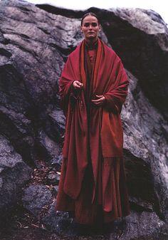 Vogue US June 2000 - Carmen Kass by Michael Thompson