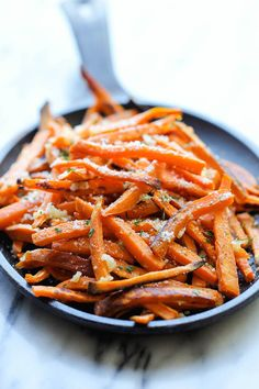 Baked Garlic Sweet Potato Fries by damndelicious #Fries #Sweet_Potato #Garlic #Healthy