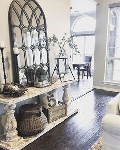 Top Rustic Farmhouse Entryway Design Ideas - Best Home Decorating Ideas Rustic Entryway, Rustic Decor, Country Decor, Entryway Ideas, Entryway Wall, Modern Decor, Entryway Console Table, Quirky Decor, Entrance Ideas