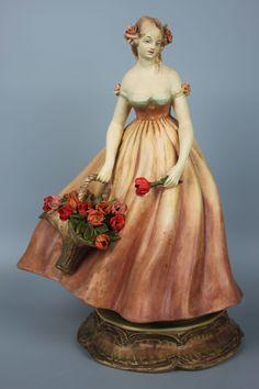 Capodimonte Guido Cacciapuoti Figurine Lady with Basket of Flowers