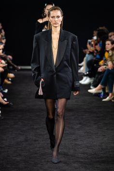 Alexander Wang Fall 2019 Ready-to-Wear Collection - Vogue Runway Fashion 51131f01d