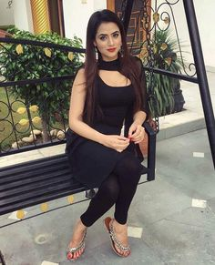 If you are looking for most gorgeous Indian escorts and Pakistani escorts in Dubai you are in right place. We also offer you our College Girls, Housewives, Models, Celebs from India and Pakistan Stylish Girl Images, Stylish Girl Pic, Indian Attire, Indian Wear, Indian Dresses, Indian Outfits, Oshin Brar, Salwar Suits Simple, Punjabi Models