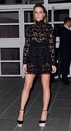Kate Beckinsale Kate Beckinsale, Kate Winslet, British Costume, Girl Film, Fashion Vocabulary, Beautiful Celebrities, Sexy Dresses, Short Dresses, Scarlett Johansson