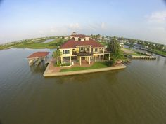 Crystal Beach Vacation Home For Sale. Deep water access with 2 boat lifts. Paradise in Crystal Beach, Texas.