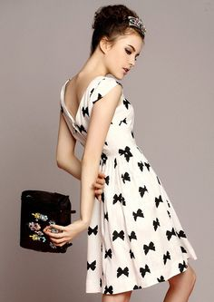 White Cap Sleeve Bow Print Dress pictures