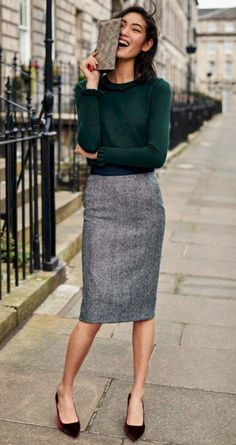 British Tweed Pencil Skirt outfit ideas for women work Pencil Skirt Outfits For Work, Winter Outfits For Work, Dresses For Work, Pencil Skirts, Women's Skirts, Pencil Dress, Skirts For Work, Pencil Skirt Work, Green Outfits For Women