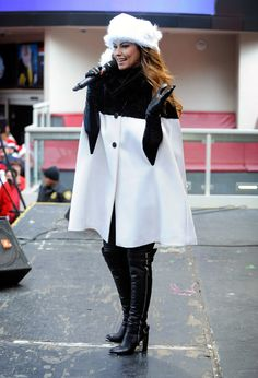 Celebrities in Boots/Gloves: Shania Twain in Over The Knee Leather Boots and Elbow Length Leather Gloves. Great Santa Run. Las Vegas, 12.24.2013.