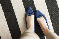 Jacques Levine smoking flats in navy/black