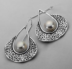 Amazing Handcrafted White Pearl Cultured Pearl Sterling Silver 925 Earrings