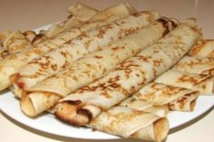 palacsinta (Hungarian Crepes) Just like the Croatian ones! Hungarian Desserts, Hungarian Cuisine, Hungarian Recipes, Hungarian Food, Hungarian Cookies, A Food, Good Food, Food And Drink, Croatian Recipes