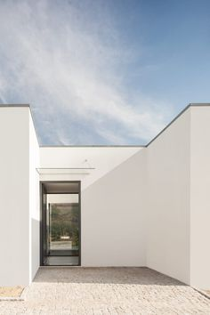 FRARI, Ivo Tavares Studio · Valley House