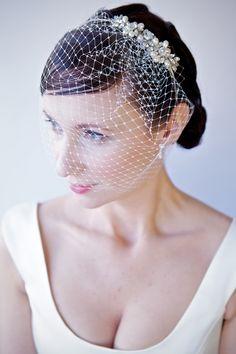 LHG Designs at WeddingandBaby.co.uk Rhinestone and Pearl Hair Accessories and Jewelry: 2013 Bridal Hair Accessories by LHG Designs - Floral, Geometric and Art Deco