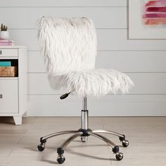 Work time has never been this comfy. With one sit in our faux-fur swivel chair, you'll feel instantly comfy and study-ready. Made with thick plush seating, our Polar Bear Faux-Fur Chair is perfect for working, searching the web or making on creati… Old Chairs, Cafe Chairs, Pink Chairs, Black Chairs, Dining Chairs, Folding Chairs, Vintage Chairs, Desk Chair Teen, Teen Desk