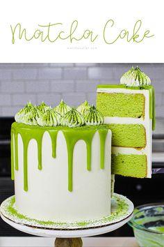 Those layers! Sweets Recipes, Just Desserts, Matcha Tea Powder, Matcha Cake, Cupcake Cakes, Cupcakes, Cake Decorating, Decorating Ideas, Deserts