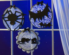 Turn #embroidery hoops into spooky #Halloween window #decor