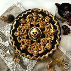 I baked a Baroque Skull Pie (booberry) : Baking Halloween Dinner, Halloween Treats, Scary Halloween, Pie Crust Designs, Pies Art, Spooky Food, Creepy Food, Holiday Treats, Safe Food
