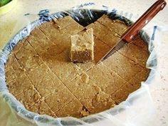 Халва — одно из самых любимых лакомств многих людей. Чтобы насладиться вкусом этой восточной сладости, тебе необязательно ехать в Иран, где ее впервые приготовили. Теперь в любом магазине ты можешь к…