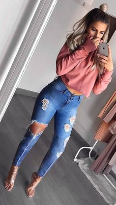 #winter #fashion / Pink Sweater + Destroyed Skinny Jeans