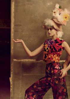 Dancing with the Stars, Frida Gustavvson by Annie Leibovitz / Vogue US April 2013