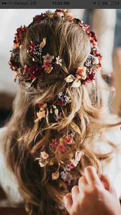 Haarschmuck Ideen - perfect for medieval wedding or Beltane feast Floral Wedding Hair, Floral Hair, Wedding Hair And Makeup, Wedding Hair Accessories, Hair Wedding, Wedding Flowers, Boho Bridal Hair, Boho Accessories, Wedding Nails